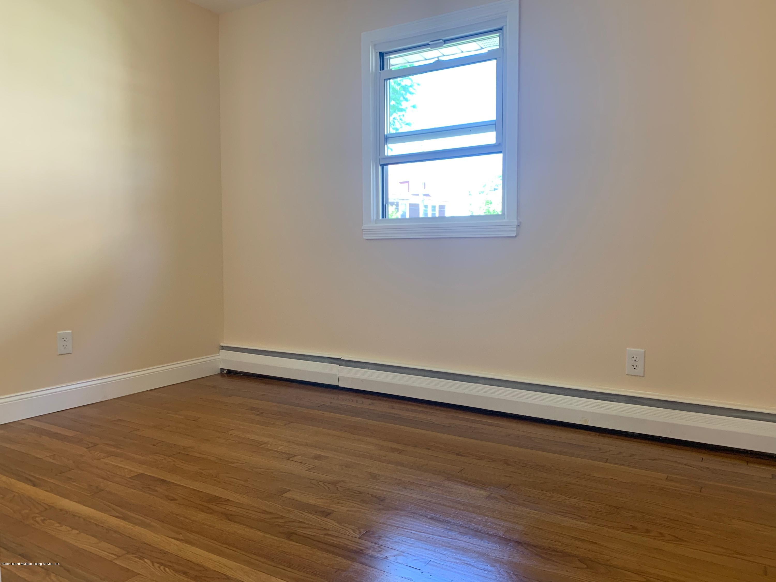 1 480 Vanderbilt Ave Staten Island,New York,10304,United States,3 Bedrooms Bedrooms,6 Rooms Rooms,1 BathroomBathrooms,Res-Rental,Vanderbilt Ave,1129269