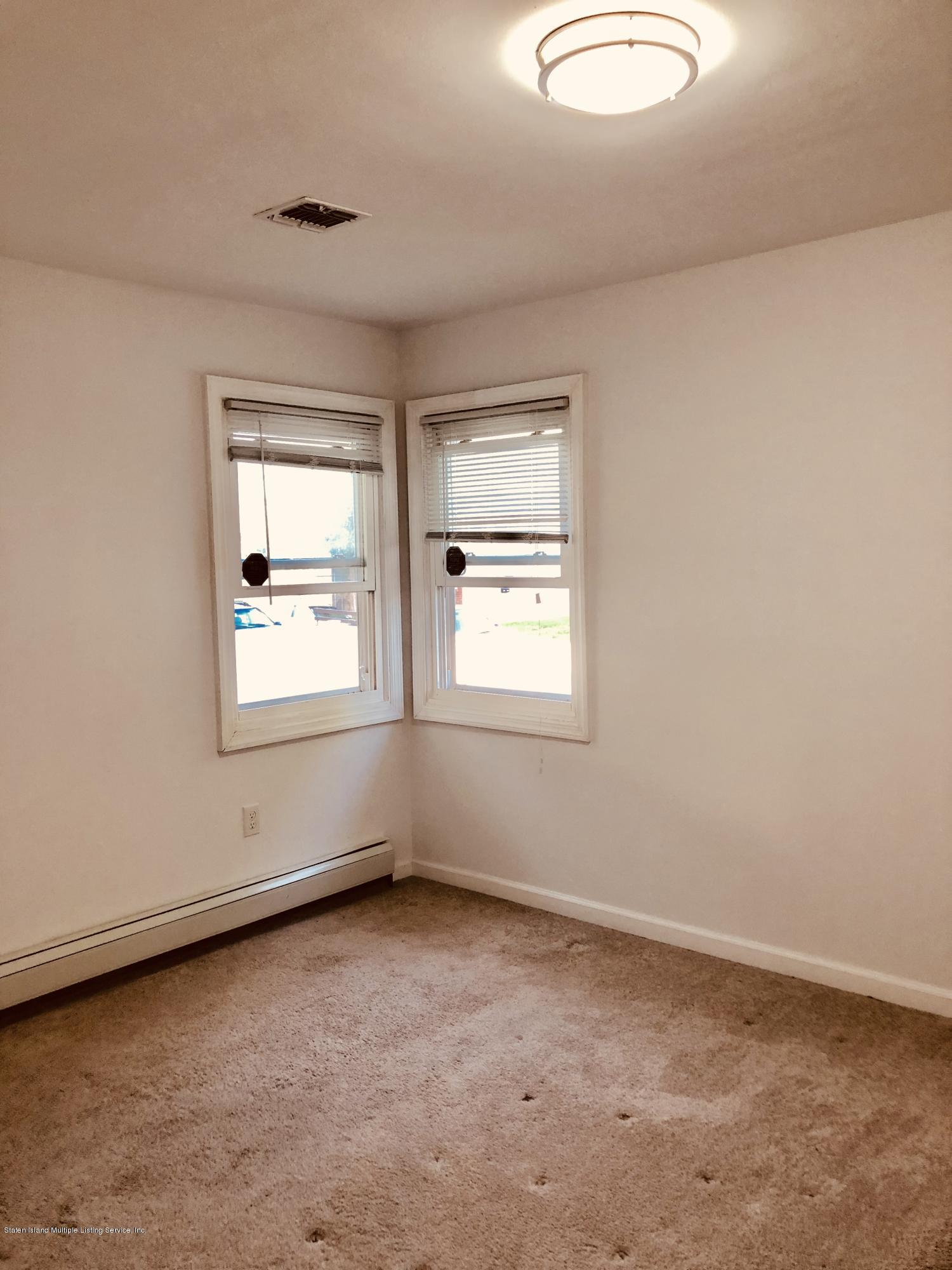 #2 167 Ebbitts Street,Staten Island,New York,10301,United States,3 Bedrooms Bedrooms,6 Rooms Rooms,1 BathroomBathrooms,Res-Rental,Ebbitts,1129305