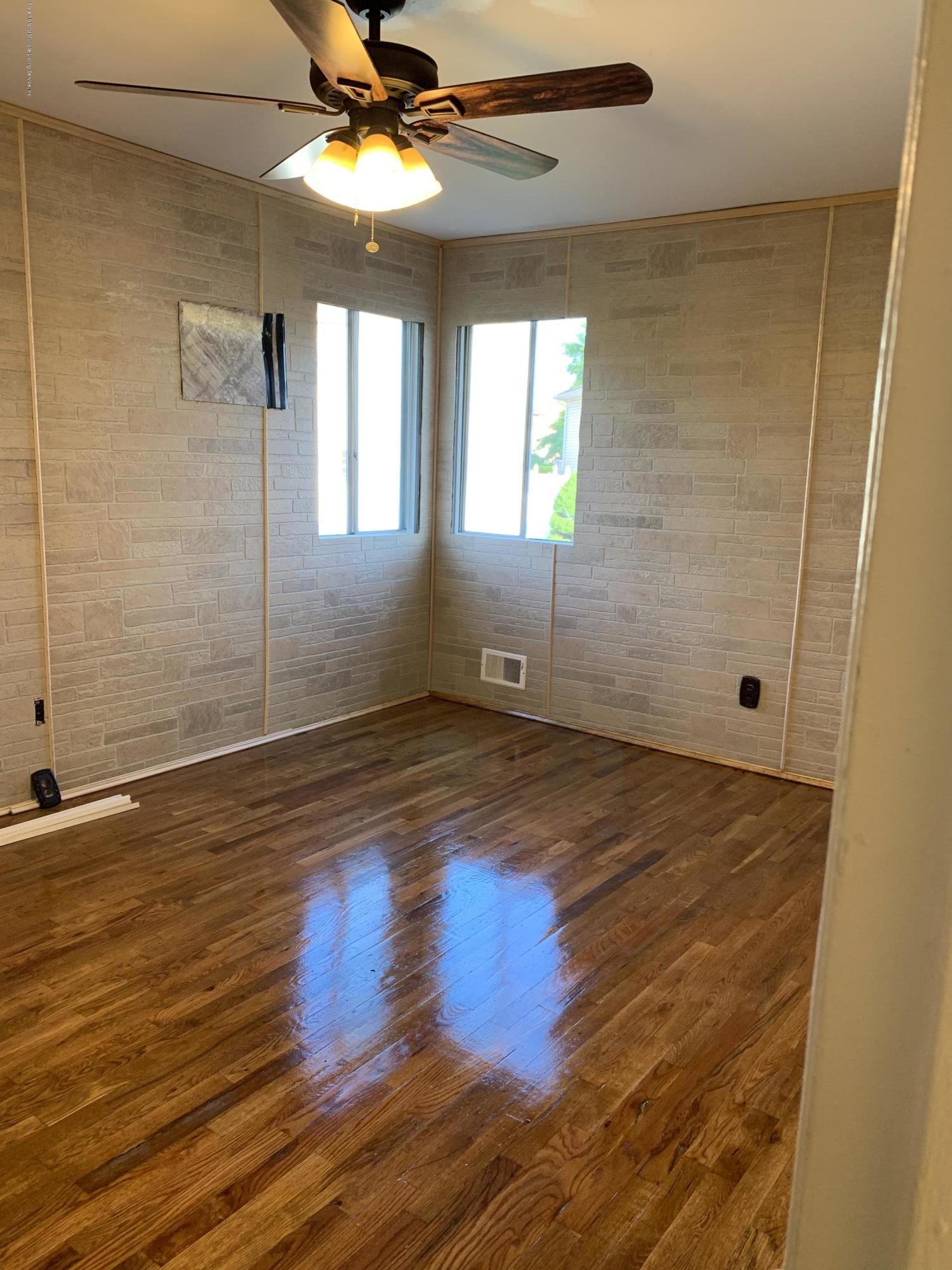 2 28 Poi Court,Staten Island,New York,10314,United States,3 Bedrooms Bedrooms,6 Rooms Rooms,2 BathroomsBathrooms,Res-Rental,Poi,1129423