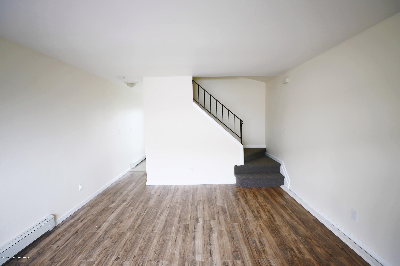16 Betty Court,Staten Island,New York,10303,United States,3 Bedrooms Bedrooms,6 Rooms Rooms,1 BathroomBathrooms,Residential,Betty,1129782