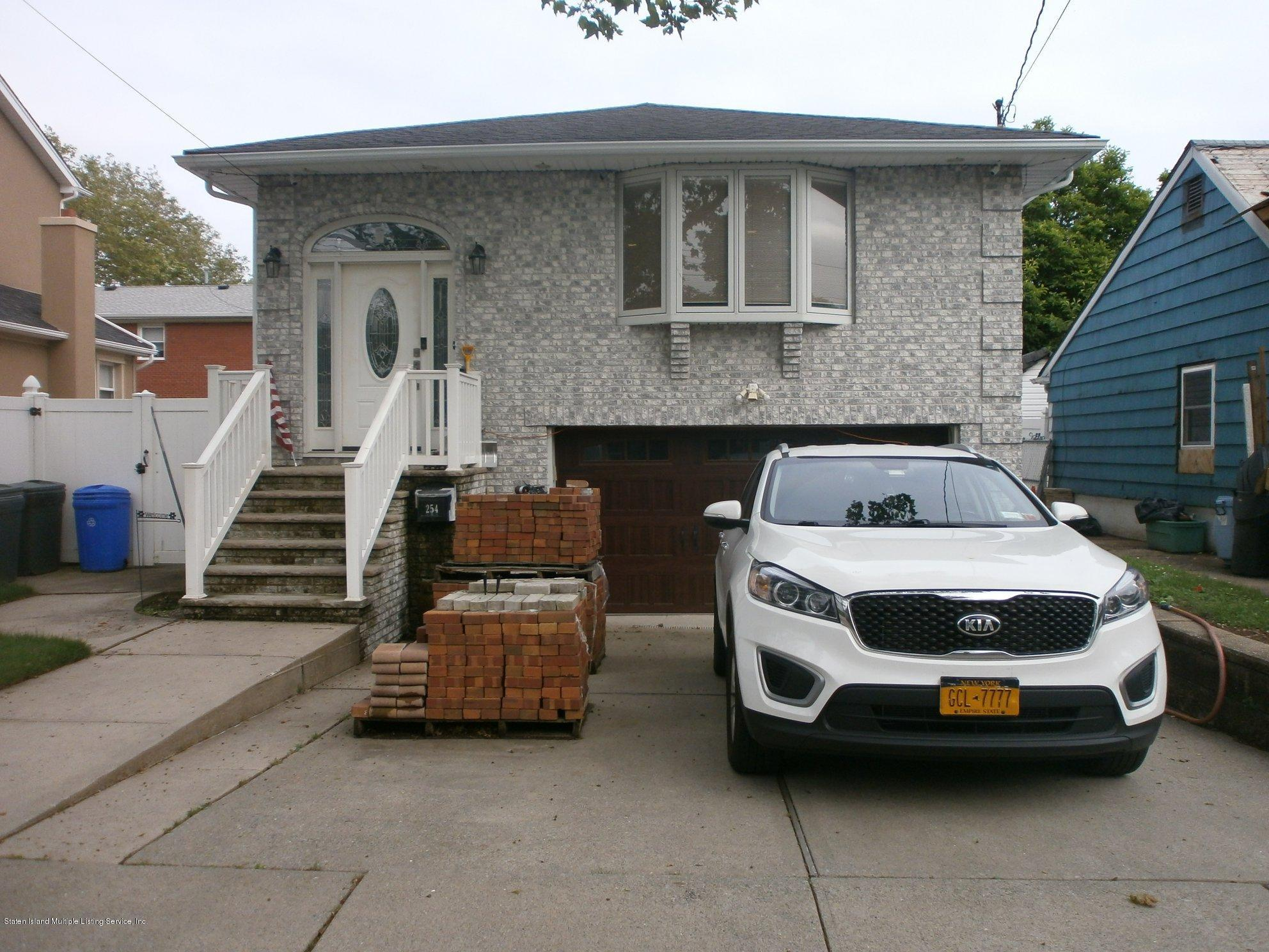 254 10th Street,Staten Island,New York,10306,United States,3 Bedrooms Bedrooms,6 Rooms Rooms,3 BathroomsBathrooms,Residential,10th,1129833