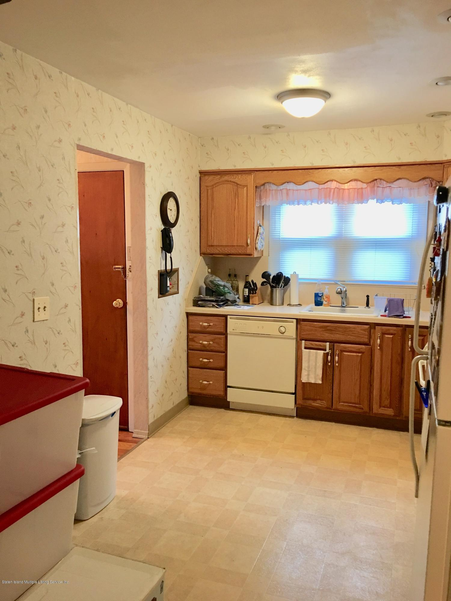 #1 72 Meadow Avenue,Staten Island,New York,10304,United States,3 Bedrooms Bedrooms,6 Rooms Rooms,1 BathroomBathrooms,Res-Rental,Meadow,1130081