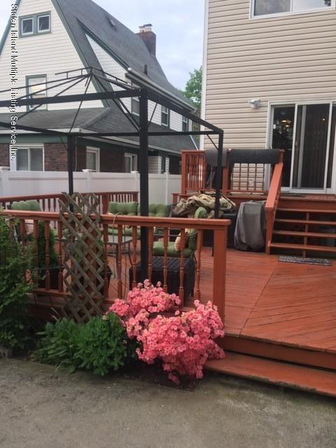 651 College Avenue,Staten Island,New York,10301,United States,3 Bedrooms Bedrooms,7 Rooms Rooms,2 BathroomsBathrooms,Res-Rental,College,1130222