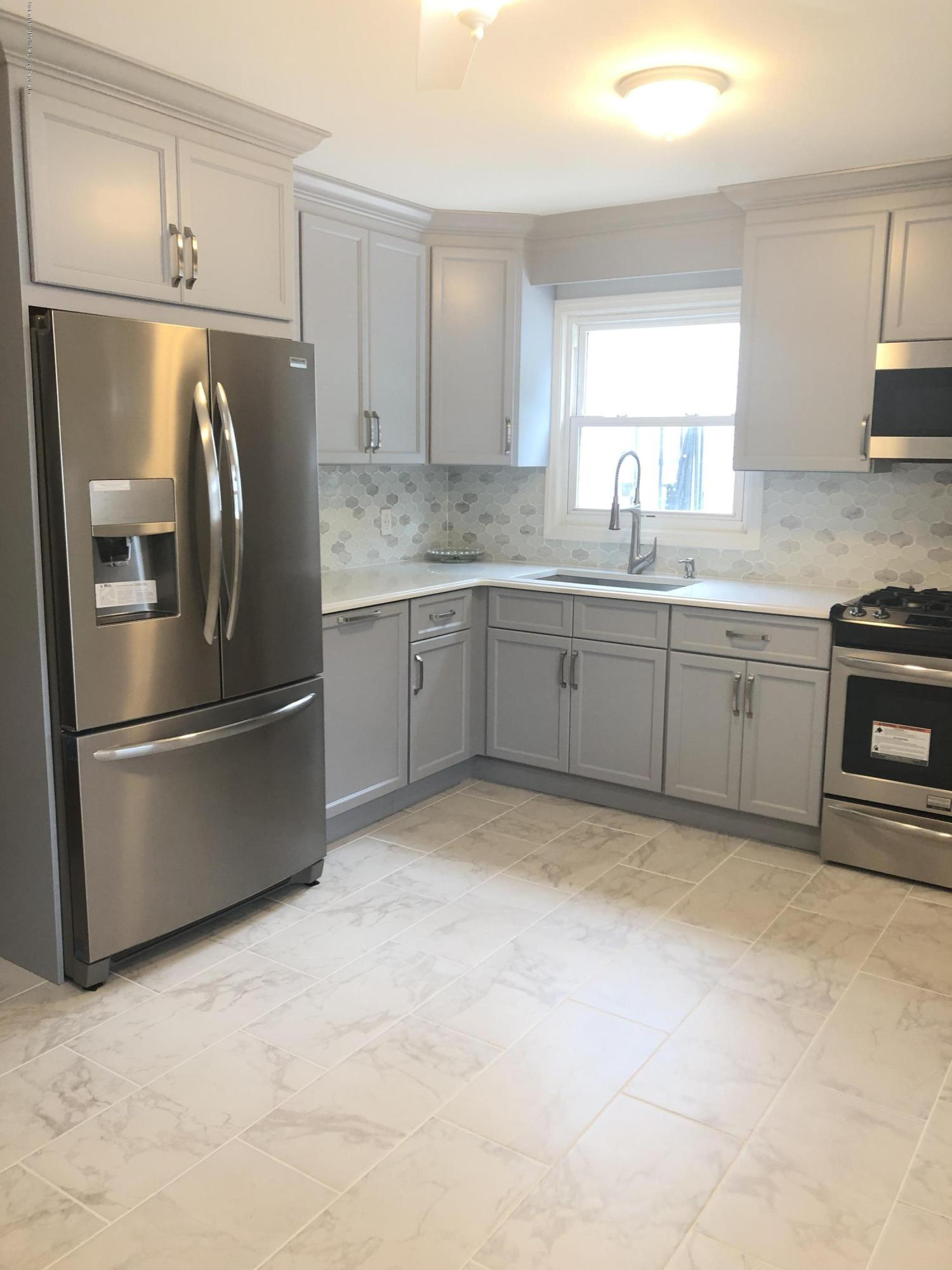2169 Victory Boulevard,Staten Island,New York,10314,United States,3 Bedrooms Bedrooms,6 Rooms Rooms,2 BathroomsBathrooms,Residential,Victory,1130590