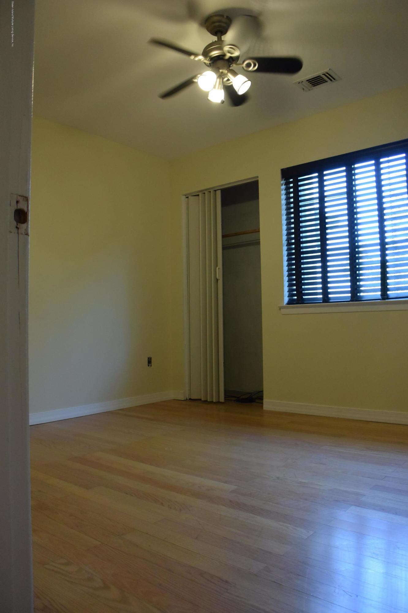 631 Correll Avenue,Staten Island,New York,10309,United States,2 Bedrooms Bedrooms,4 Rooms Rooms,2 BathroomsBathrooms,Res-Rental,Correll,1130591