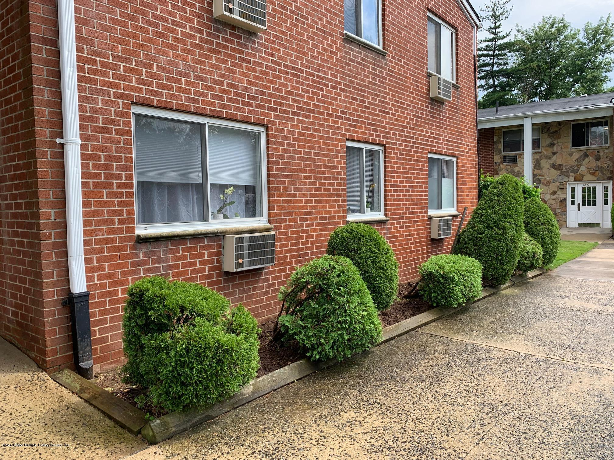 #1h 1286 Rockland Avenue,Staten Island,New York,10314,United States,2 Bedrooms Bedrooms,5 Rooms Rooms,1 BathroomBathrooms,Residential,Rockland,1130594