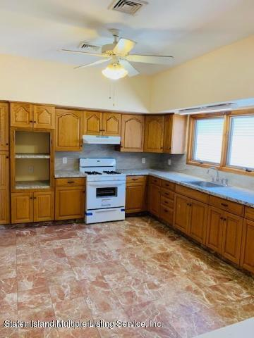 Upper 88 Linwood Avenue,Staten Island,New York,10305,United States,3 Bedrooms Bedrooms,6 Rooms Rooms,1 BathroomBathrooms,Res-Rental,Linwood,1130722