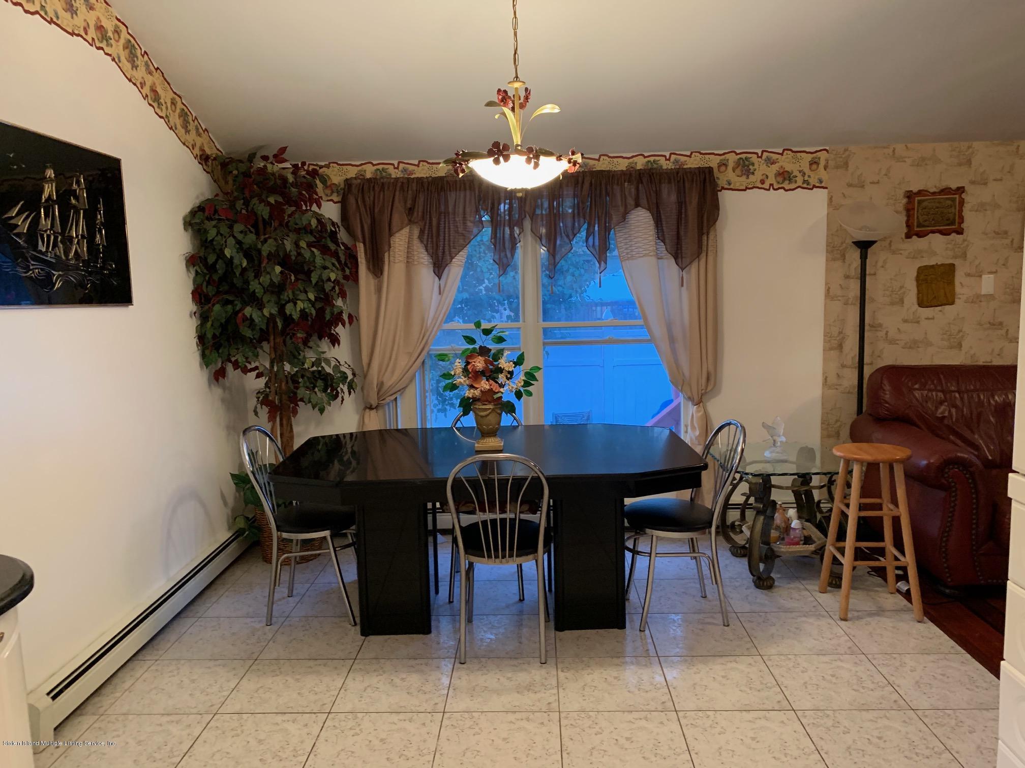5787 Hylan Boulevard,Staten Island,New York,10309,United States,4 Bedrooms Bedrooms,7 Rooms Rooms,4 BathroomsBathrooms,Residential,Hylan,1131547