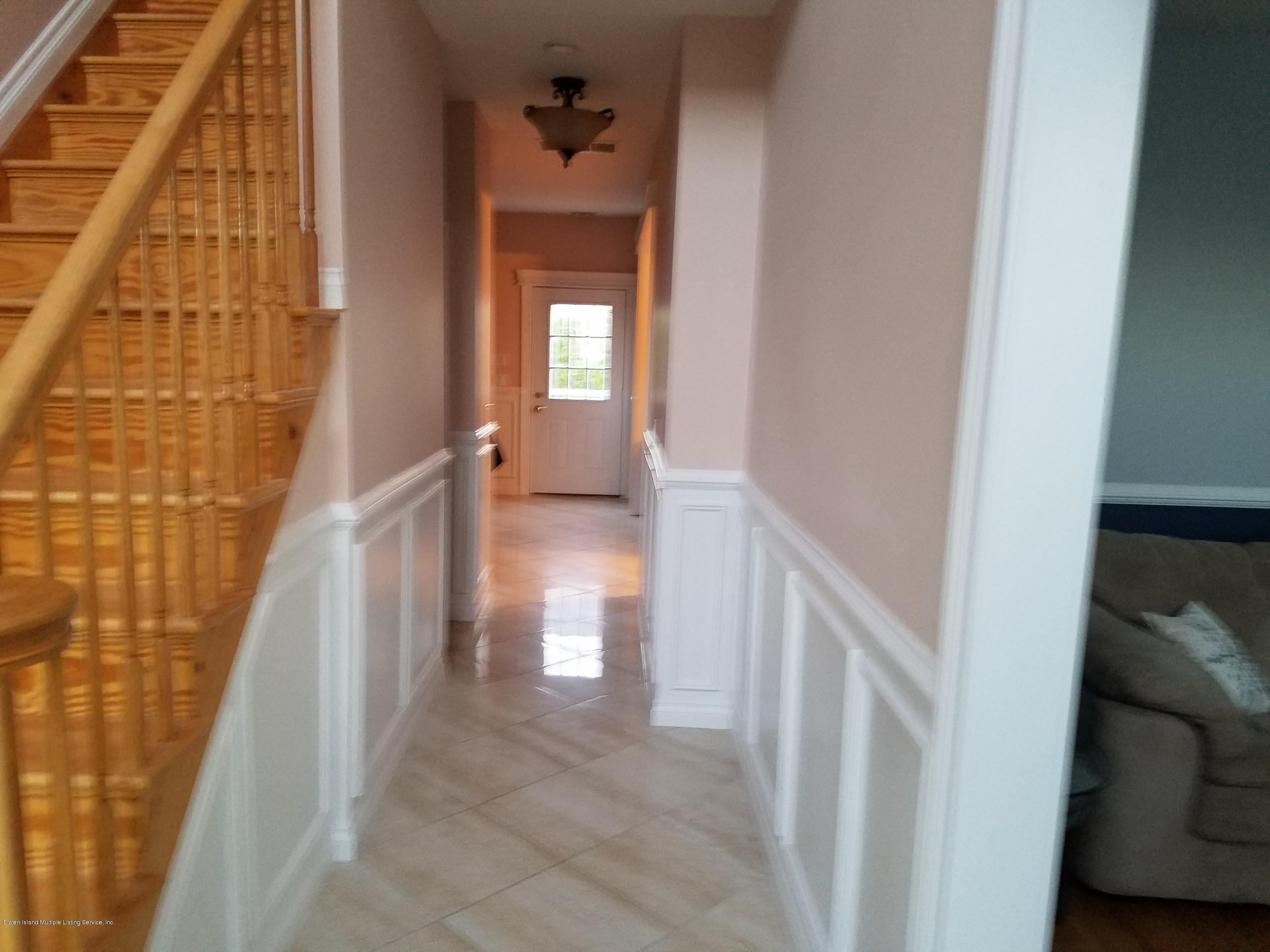 23 Dintree Lane,Staten Island,New York,10307,United States,3 Bedrooms Bedrooms,8 Rooms Rooms,4 BathroomsBathrooms,Residential,Dintree,1131550