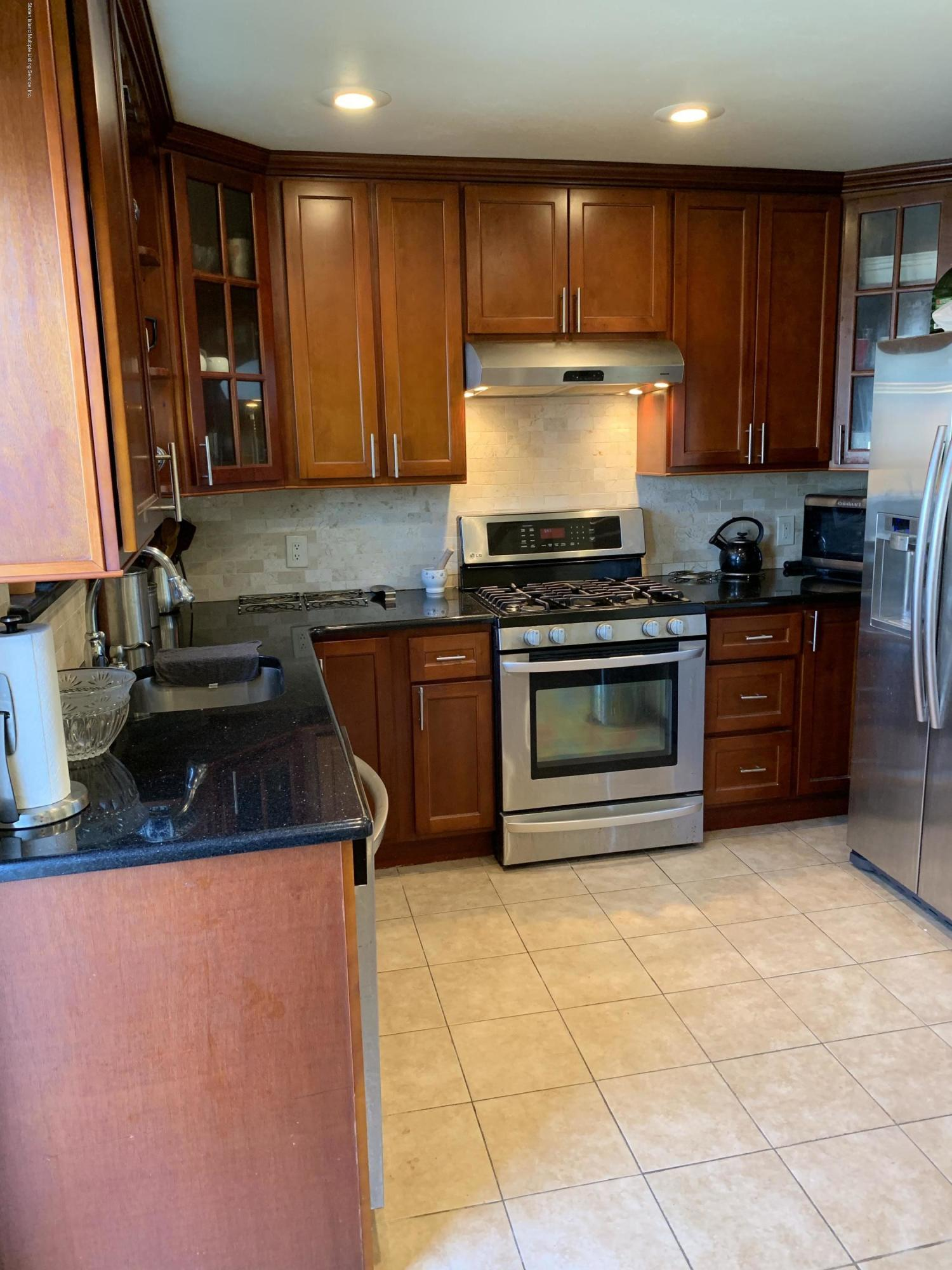 67 Tone Lane,Staten Island,New York,10305,United States,2 Bedrooms Bedrooms,6 Rooms Rooms,3 BathroomsBathrooms,Residential,Tone,1131553