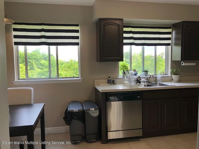 81 Narrows Road,Staten Island,New York,10305,United States,2 Bedrooms Bedrooms,5 Rooms Rooms,1 BathroomBathrooms,Residential,Narrows,1131556