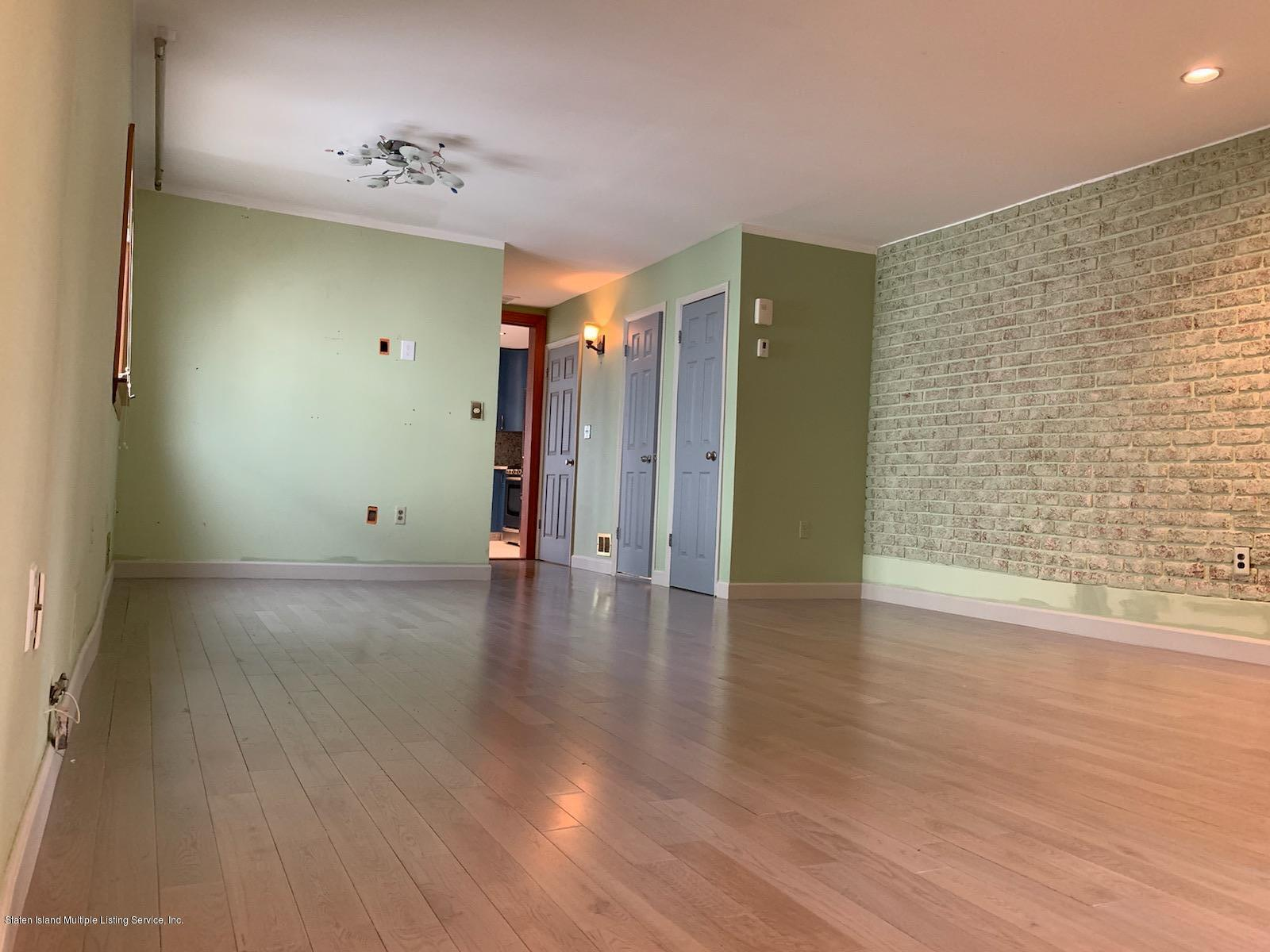 520 Naughton Avenue,Staten Island,New York,10305,United States,3 Bedrooms Bedrooms,6 Rooms Rooms,3 BathroomsBathrooms,Res-Rental,Naughton,1131927