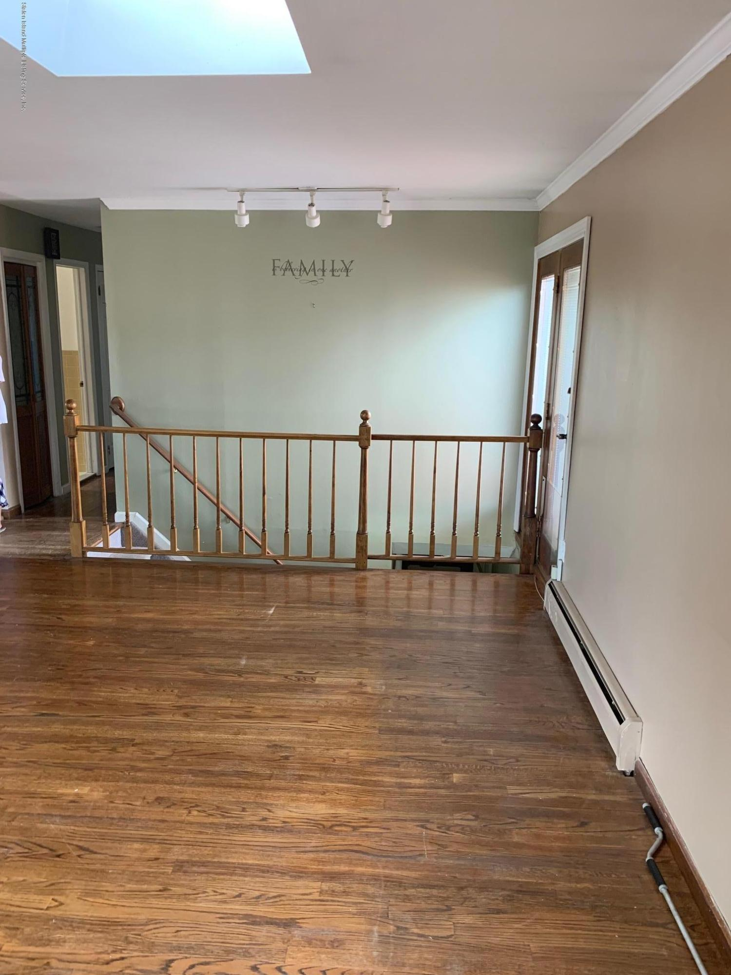 97 Twombly Avenue,Staten Island,New York,10306,United States,3 Bedrooms Bedrooms,5 Rooms Rooms,3 BathroomsBathrooms,Res-Rental,Twombly,1132004