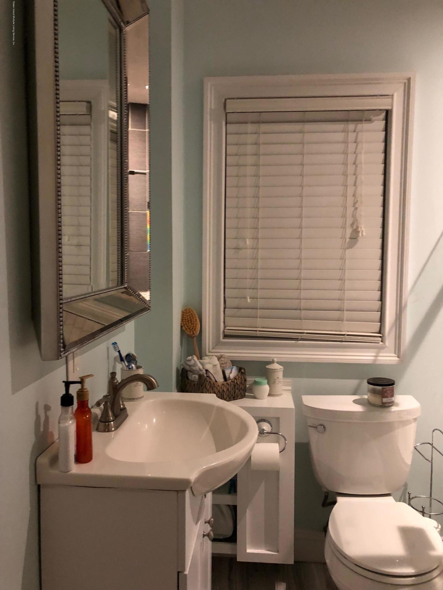 122 Kingsley Avenue,Staten Island,New York,10314,United States,1 Bedroom Bedrooms,5 Rooms Rooms,1 BathroomBathrooms,Res-Rental,Kingsley,1132029