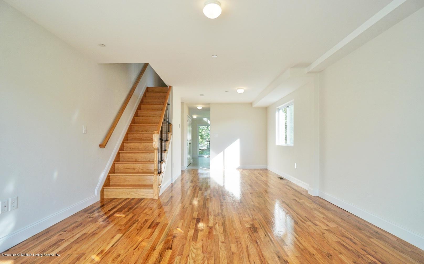 347 Van Pelt Avenue,Staten Island,New York,10303,United States,3 Bedrooms Bedrooms,6 Rooms Rooms,3 BathroomsBathrooms,Residential,Van Pelt,1132927