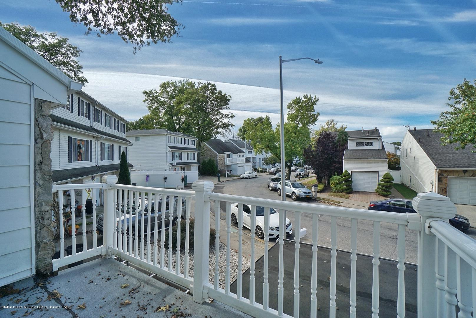 137 Carlyle Green,Staten Island,New York,10312,United States,4 Bedrooms Bedrooms,7 Rooms Rooms,3 BathroomsBathrooms,Residential,Carlyle,1132994