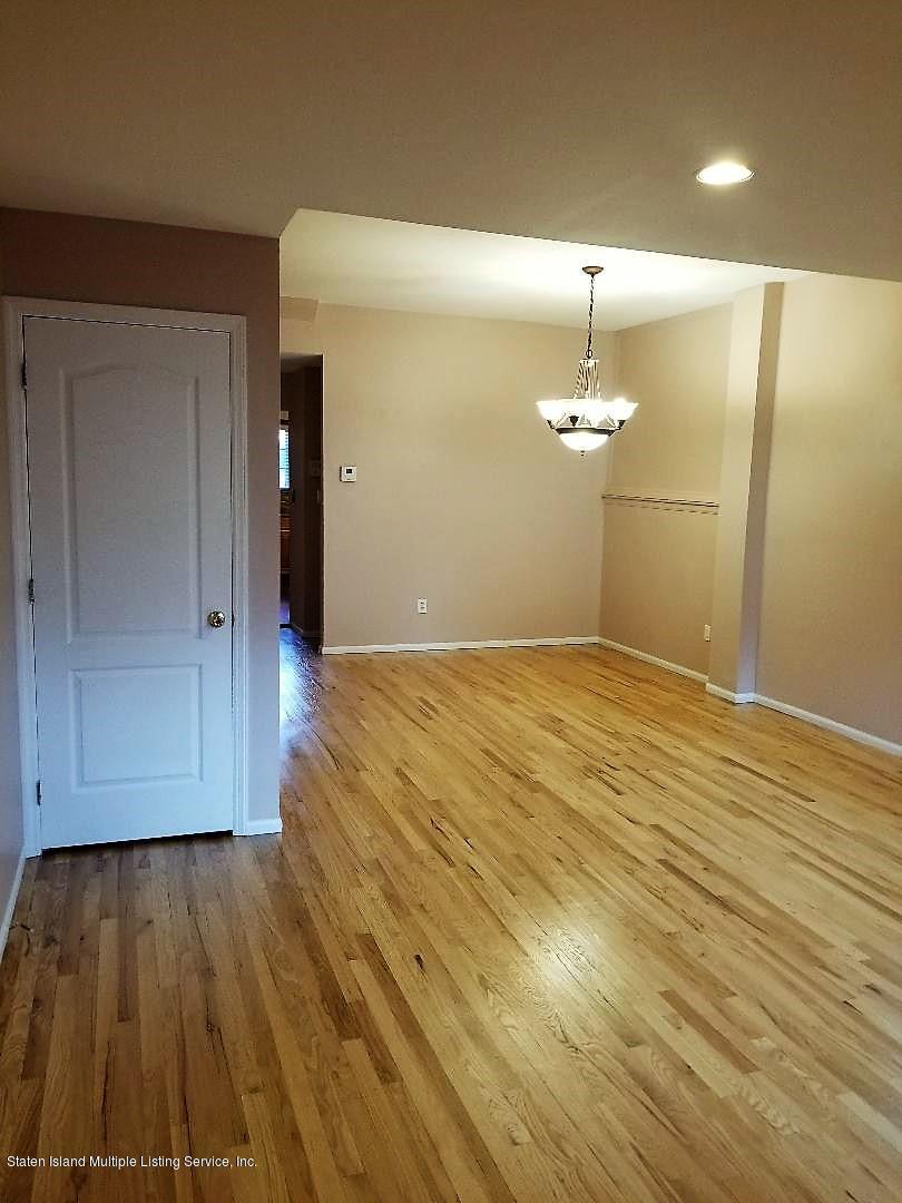 34 Sharrotts Lane,Staten Island,New York,10309,United States,4 Bedrooms Bedrooms,10 Rooms Rooms,3 BathroomsBathrooms,Residential,Sharrotts,1133009
