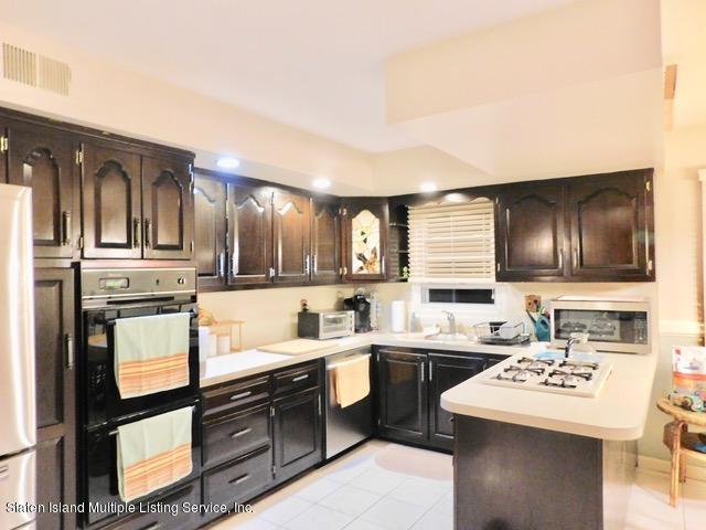 229 Albourne Avenue,Staten Island,New York,10309,United States,4 Bedrooms Bedrooms,13 Rooms Rooms,4 BathroomsBathrooms,Residential,Albourne,1132982