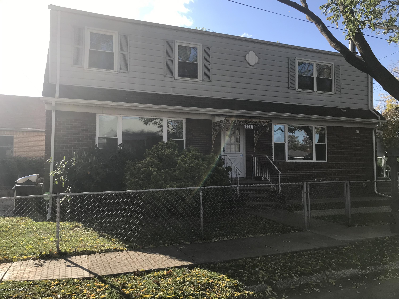 2 264 Mallory Avenue,Staten Island,New York,10305,United States,3 Bedrooms Bedrooms,5 Rooms Rooms,1 BathroomBathrooms,Residential,Mallory,1133683