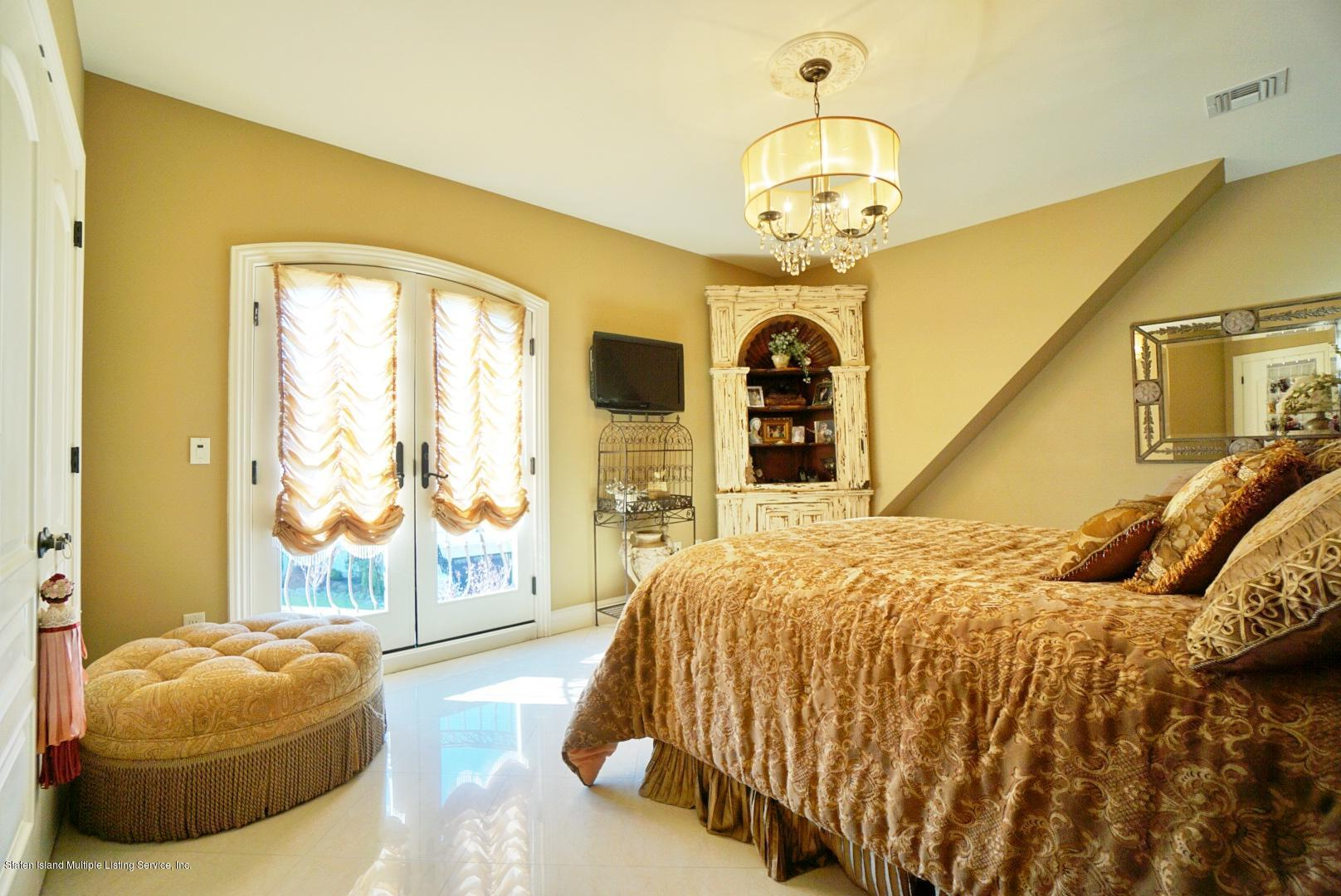 45 Blackhorse Court,Staten Island,New York,10306,United States,3 Bedrooms Bedrooms,9 Rooms Rooms,4 BathroomsBathrooms,Residential,Blackhorse,1133685