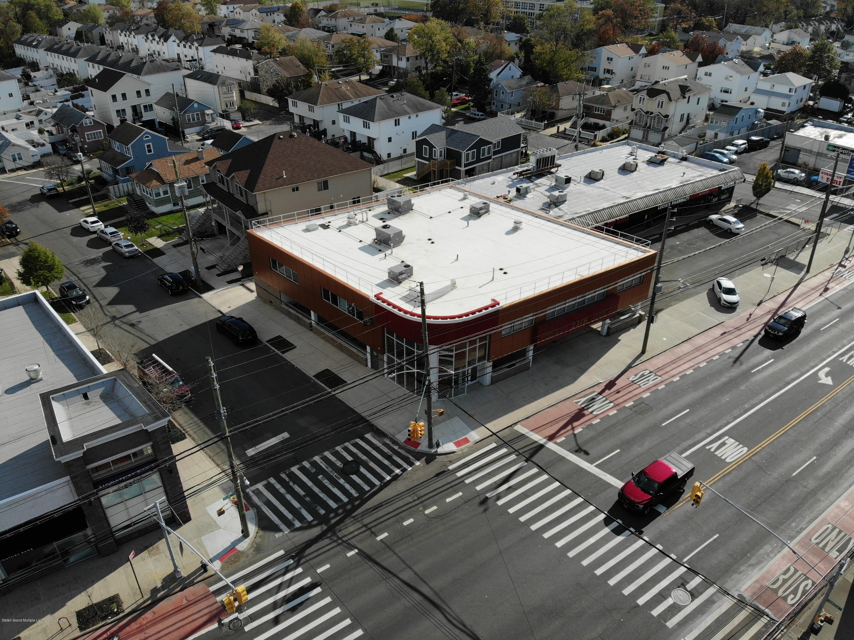 2076 Hylan Boulevard,Staten Island,New York,10306,United States,Commercial,Hylan,1133687