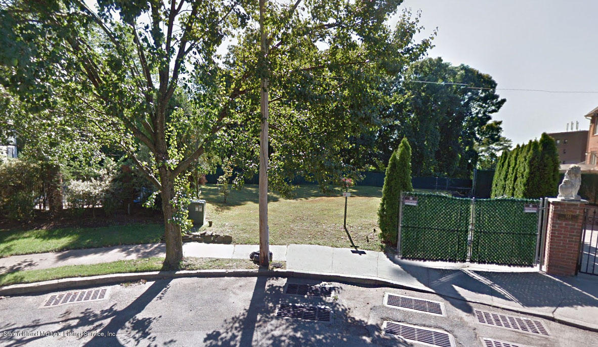 138 Grymes Hill Road,Staten Island,New York,10301,United States,Land/Lots,Grymes Hill,1133690
