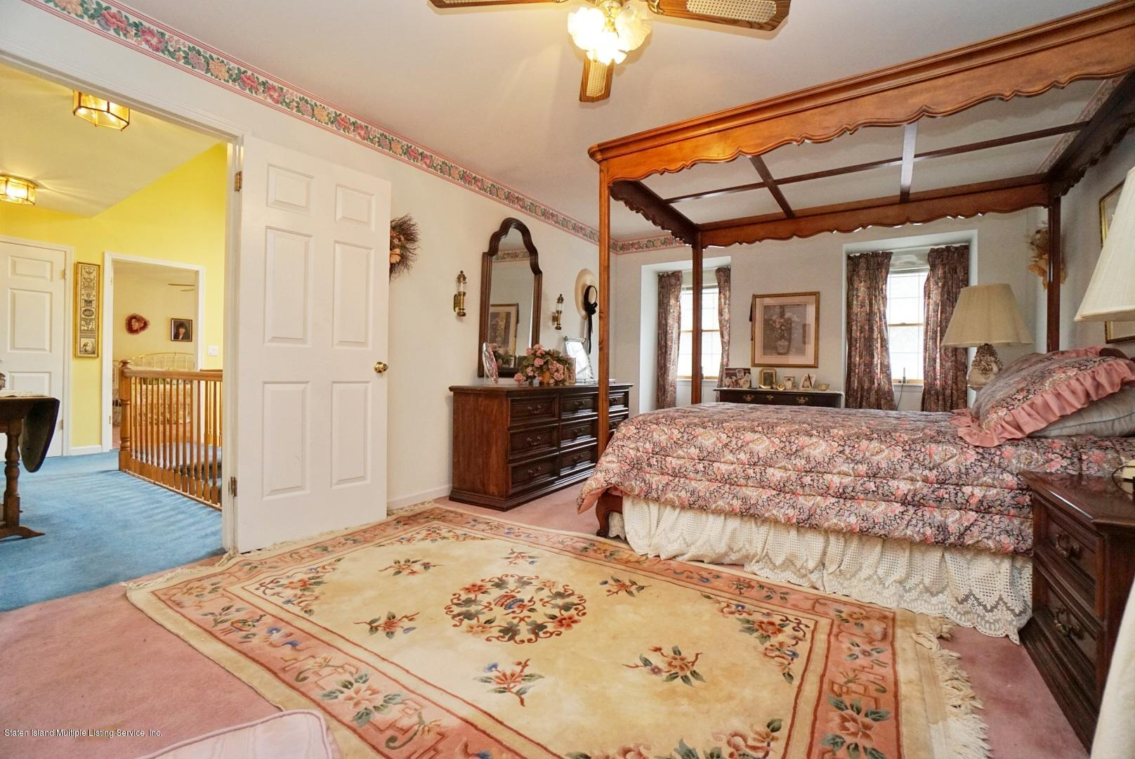 563 Caswell Avenue,Staten Island,New York,10314,United States,3 Bedrooms Bedrooms,7 Rooms Rooms,3 BathroomsBathrooms,Residential,Caswell,1133924