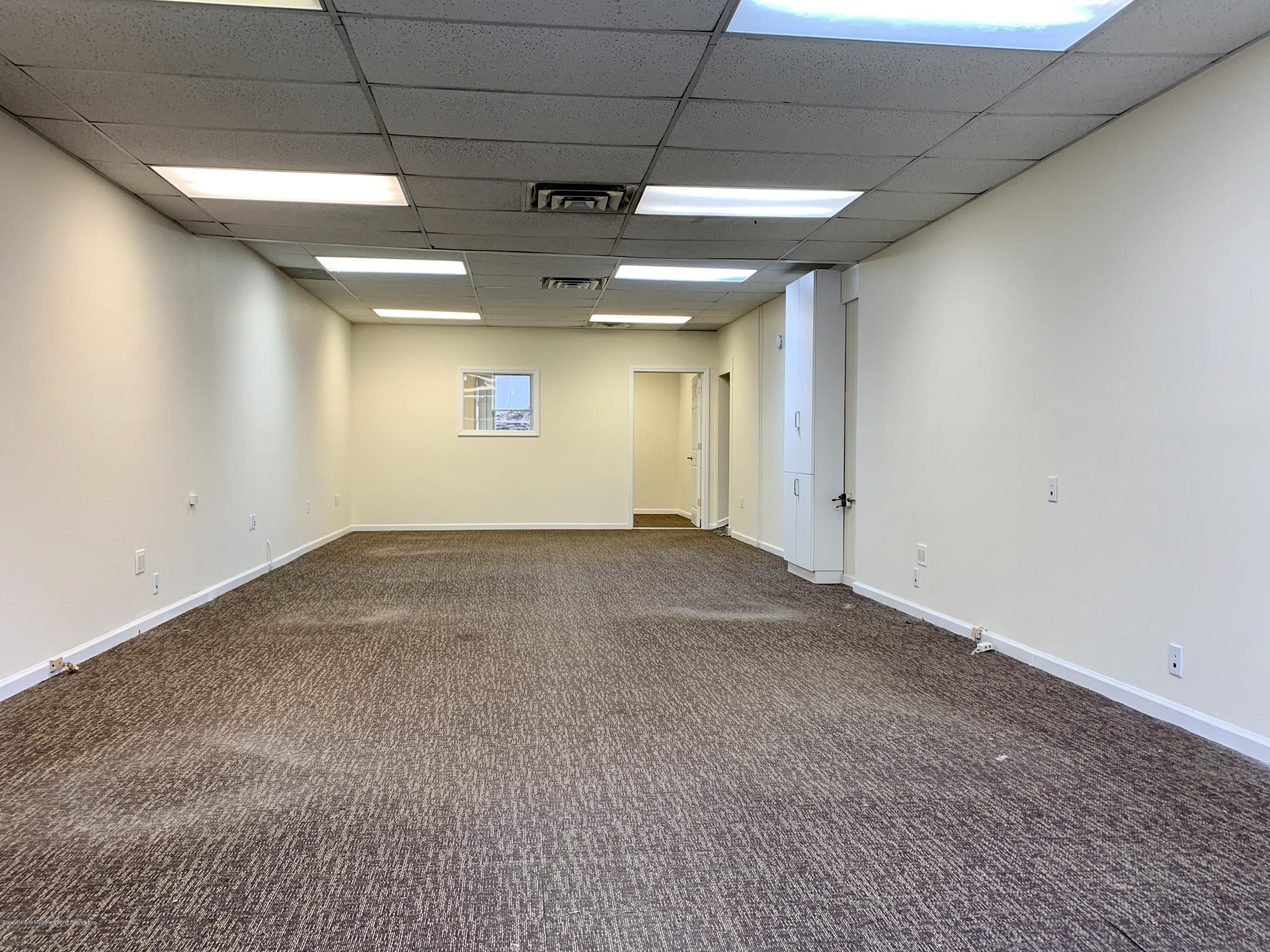 515 Broadway Staten Island,New York,10310,United States,Commercial,Broadway,1133942