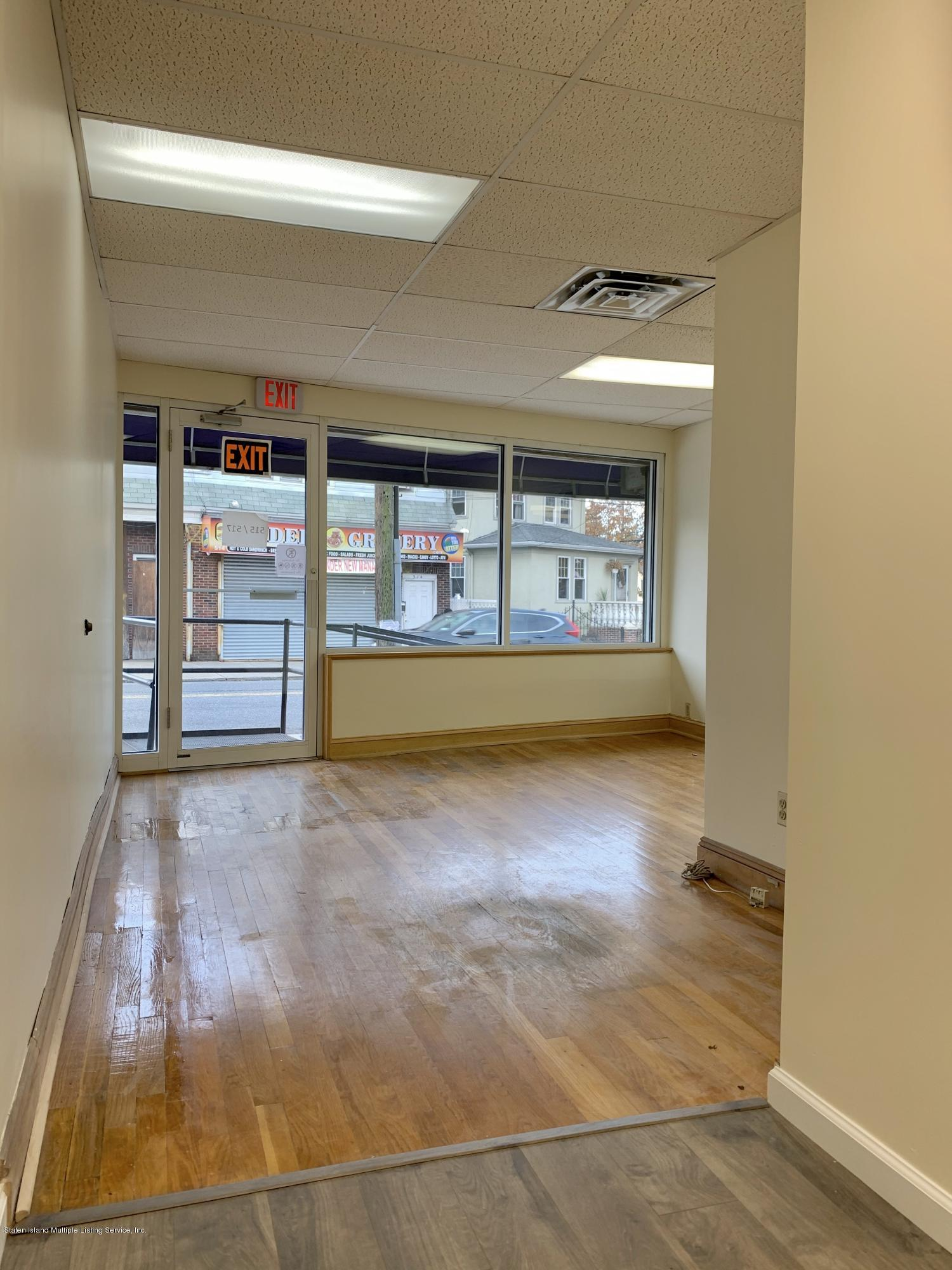 517 Broadway Staten Island,New York,10310,United States,Commercial,Broadway,1133943