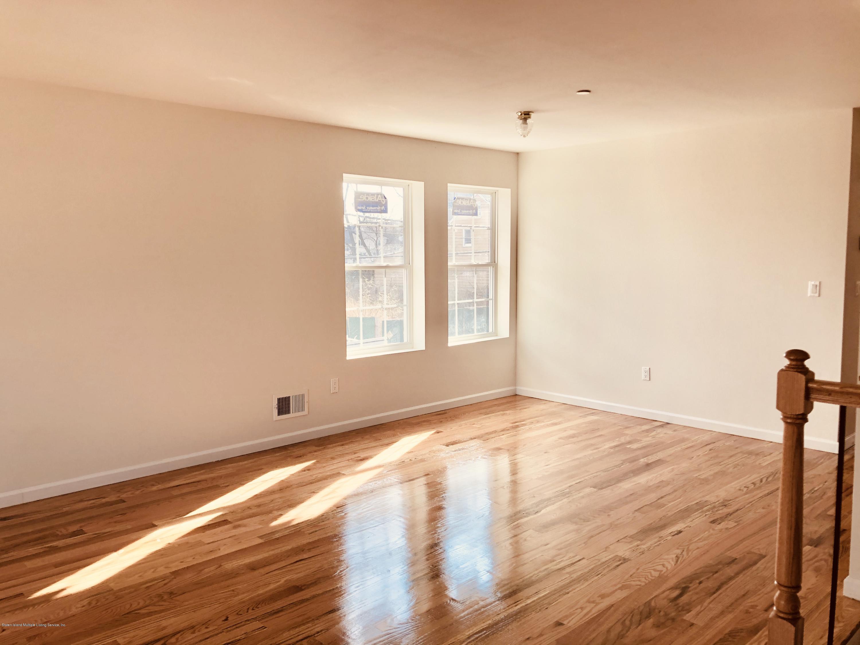 #2 2510 Richmond Terrace,Staten Island,New York,10303,United States,3 Bedrooms Bedrooms,6 Rooms Rooms,1 BathroomBathrooms,Res-Rental,Richmond,1134265