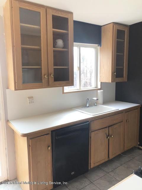 77 Church Avenue,Staten Island,New York,10314,United States,2 Bedrooms Bedrooms,5 Rooms Rooms,2 BathroomsBathrooms,Residential,Church,1134267