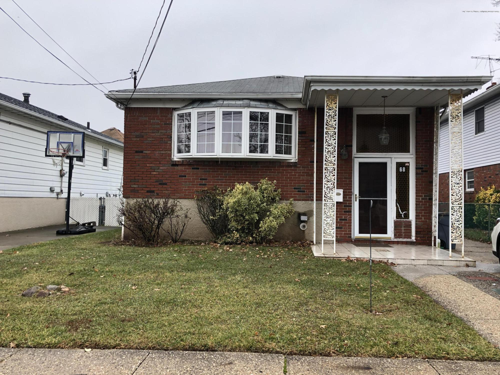 68 Geldner Avenue,Staten Island,New York,10306,United States,4 Bedrooms Bedrooms,9 Rooms Rooms,3 BathroomsBathrooms,Residential,Geldner,1134269