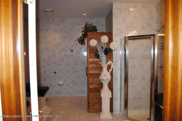 210 Alverson Avenue,Staten Island,New York,10309,United States,6 Bedrooms Bedrooms,11 Rooms Rooms,6 BathroomsBathrooms,Residential,Alverson,1134278
