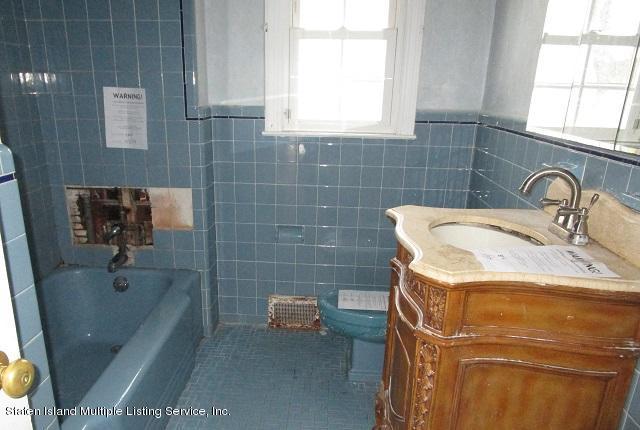 17 Longfellow Avenue,Staten Island,New York,10301,United States,2 Bedrooms Bedrooms,5 Rooms Rooms,3 BathroomsBathrooms,Residential,Longfellow,1134288
