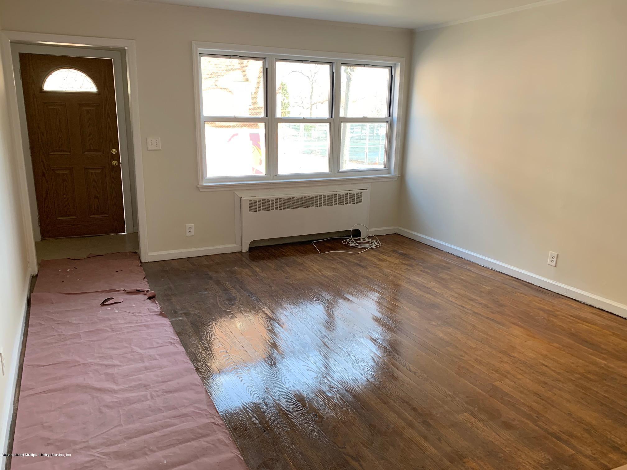 290 Locust Avenue,Staten Island,New York,10306,United States,4 Bedrooms Bedrooms,7 Rooms Rooms,3 BathroomsBathrooms,Res-Rental,Locust,1134326