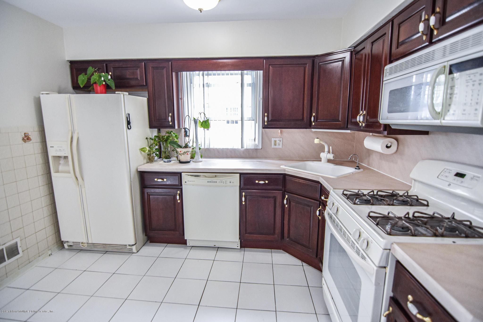 90 Wilcox Street,Staten Island,New York,10303,United States,3 Bedrooms Bedrooms,8 Rooms Rooms,3 BathroomsBathrooms,Residential,Wilcox,1134332