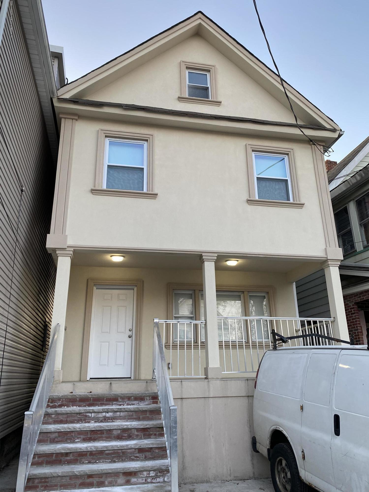 #1 14 Grove Place,Staten Island,New York,10302,United States,4 Bedrooms Bedrooms,6 Rooms Rooms,3 BathroomsBathrooms,Res-Rental,Grove,1135144