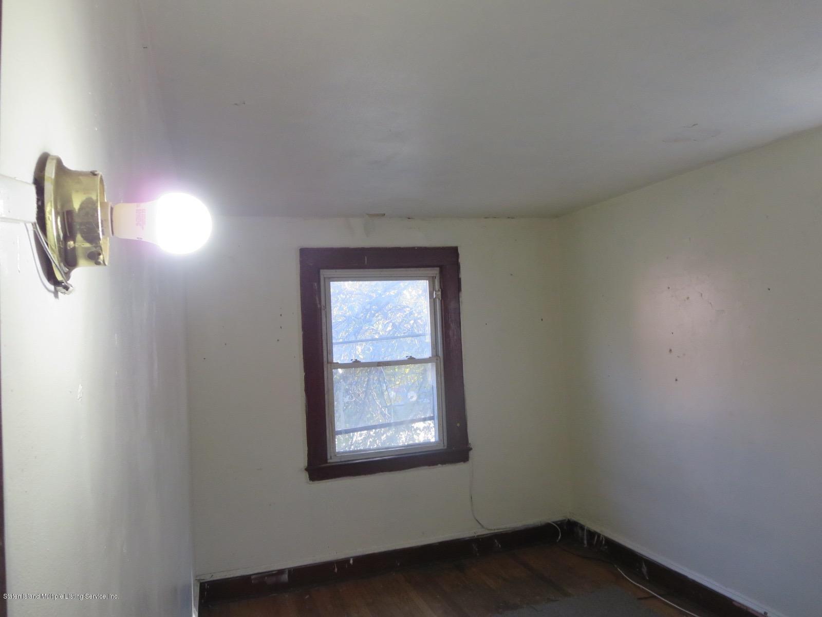 19 Bowen Street,Staten Island,New York,10304,United States,3 Bedrooms Bedrooms,6 Rooms Rooms,2 BathroomsBathrooms,Residential,Bowen,1135147