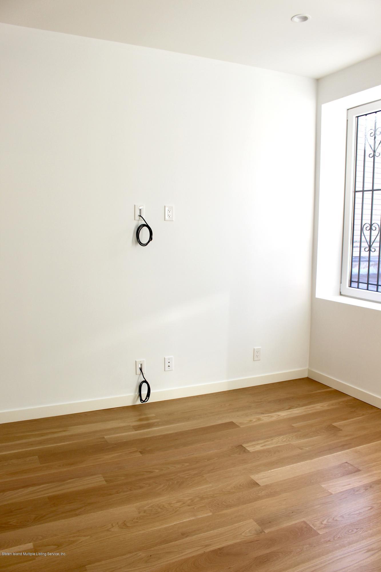 2nd Fl. 664 Bay Street,Staten Island,New York,10304,United States,2 Bedrooms Bedrooms,5 Rooms Rooms,1 BathroomBathrooms,Res-Rental,Bay,1135302