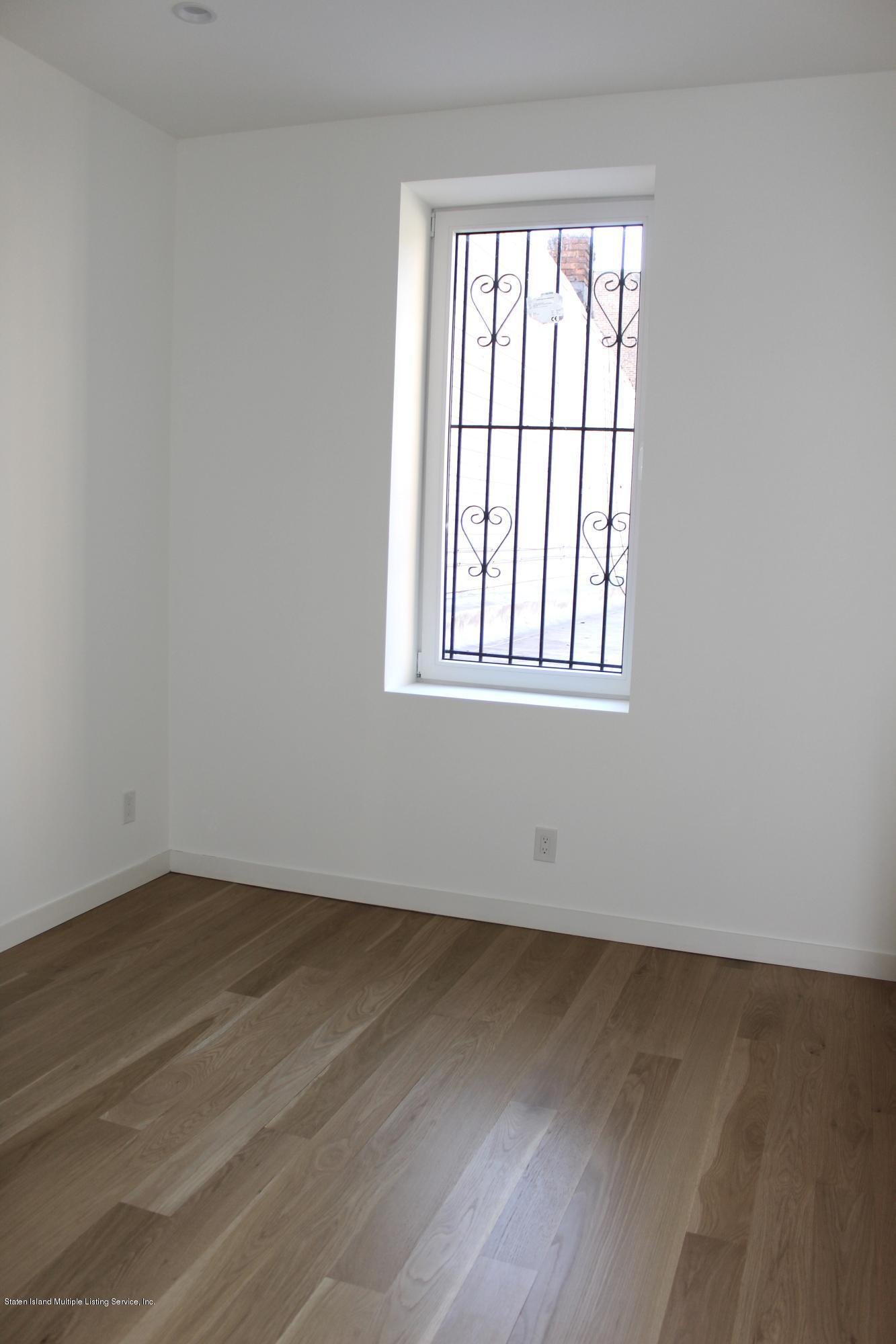 3 Fl 664 Bay Street,Staten Island,New York,10304,United States,2 Bedrooms Bedrooms,5 Rooms Rooms,1 BathroomBathrooms,Res-Rental,Bay,1135298