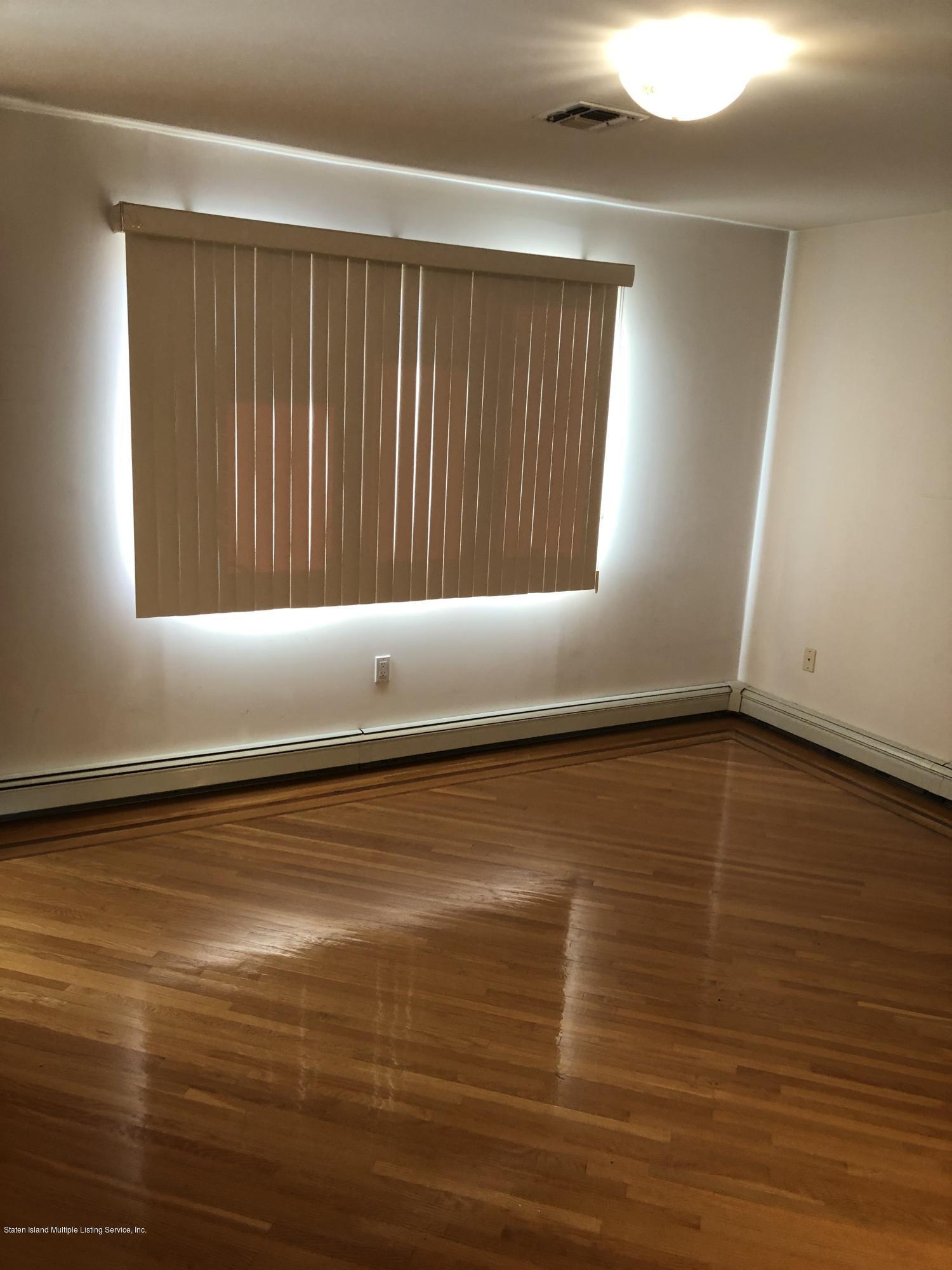 557 Ionia Avenue,Staten Island,New York,10312,United States,3 Bedrooms Bedrooms,7 Rooms Rooms,4 BathroomsBathrooms,Res-Rental,Ionia,1135360
