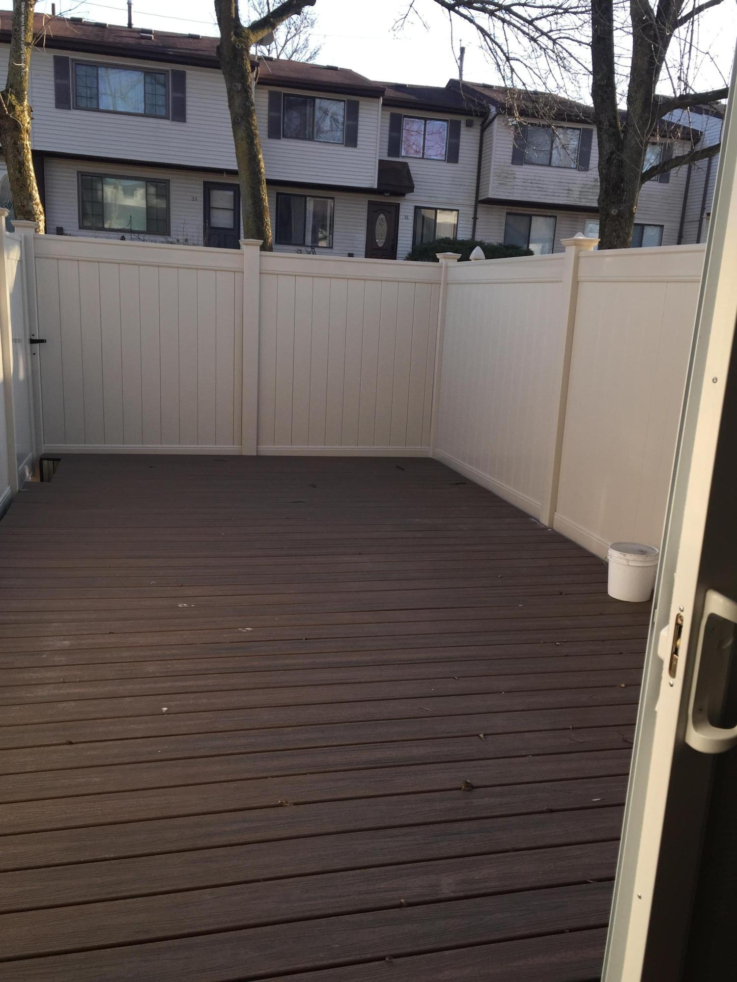 A 41 Lombard Court,Staten Island,New York,10312,United States,2 Bedrooms Bedrooms,5 Rooms Rooms,2 BathroomsBathrooms,Res-Rental,Lombard,1135389