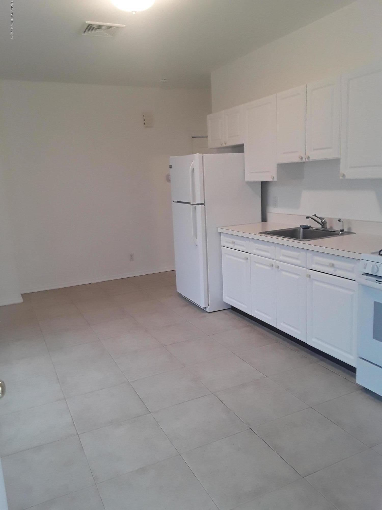 18 Vogel Place,Staten Island,New York,10309,United States,1 Bedroom Bedrooms,2 Rooms Rooms,1 BathroomBathrooms,Res-Rental,Vogel,1135415