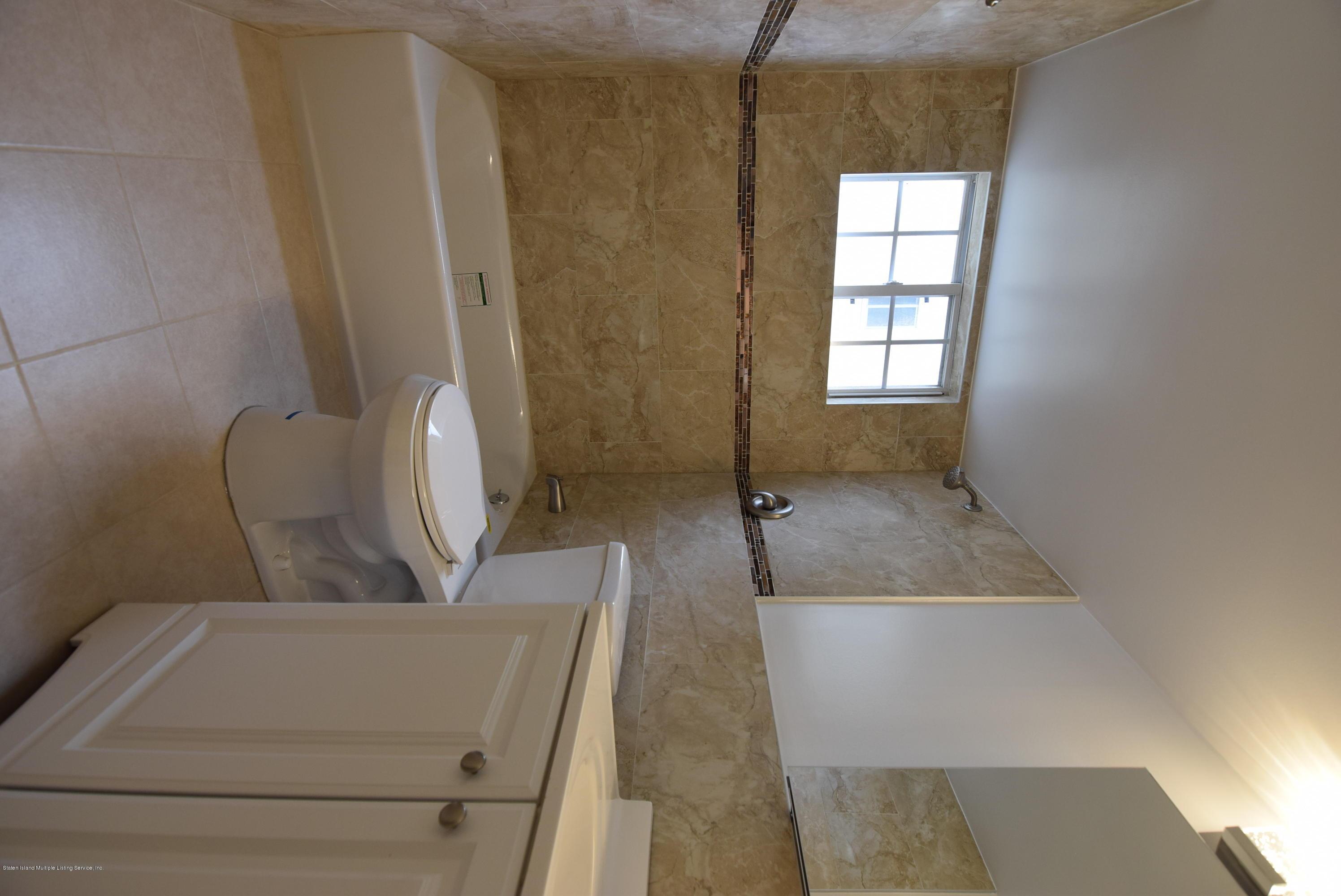 106 Pelican Circle,Staten Island,New York,10306,United States,2 Rooms Rooms,1 BathroomBathrooms,Res-Rental,Pelican,1135558