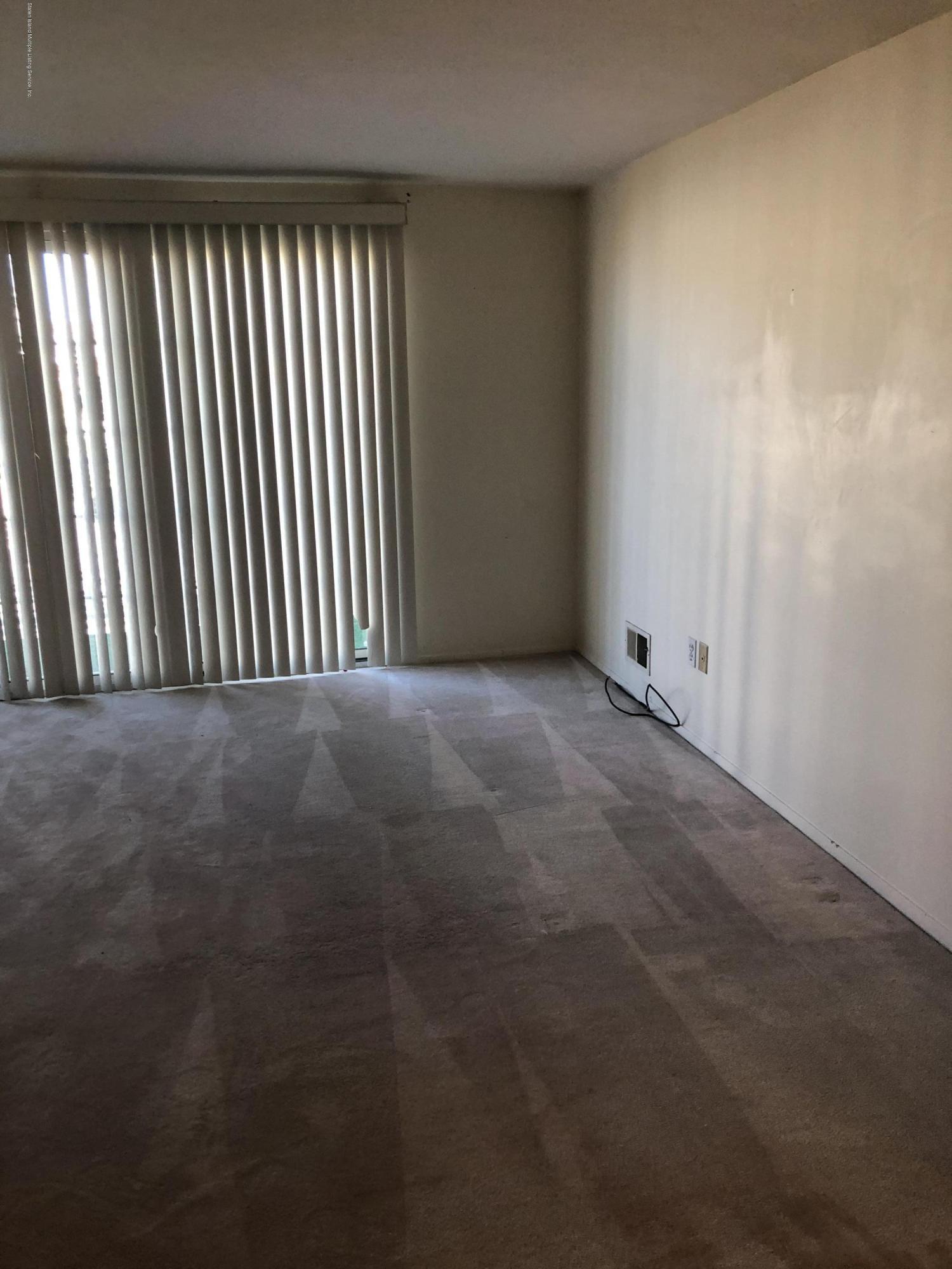 36a Saturn Lane,Staten Island,New York,10314,United States,2 Bedrooms Bedrooms,4 Rooms Rooms,1 BathroomBathrooms,Residential,Saturn,1135682
