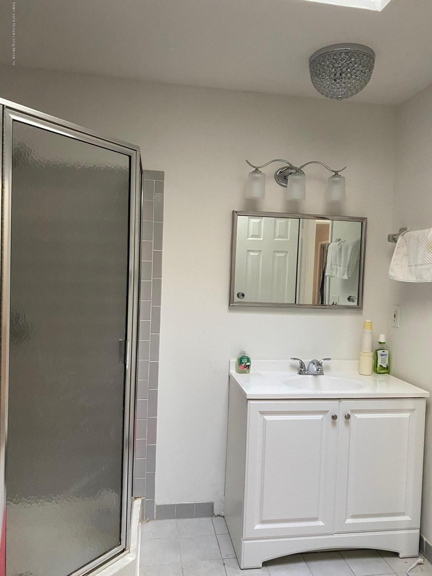 29 Slayton Avenue,Staten Island,New York,10314,United States,2 Bedrooms Bedrooms,6 Rooms Rooms,2 BathroomsBathrooms,Residential,Slayton,1135686