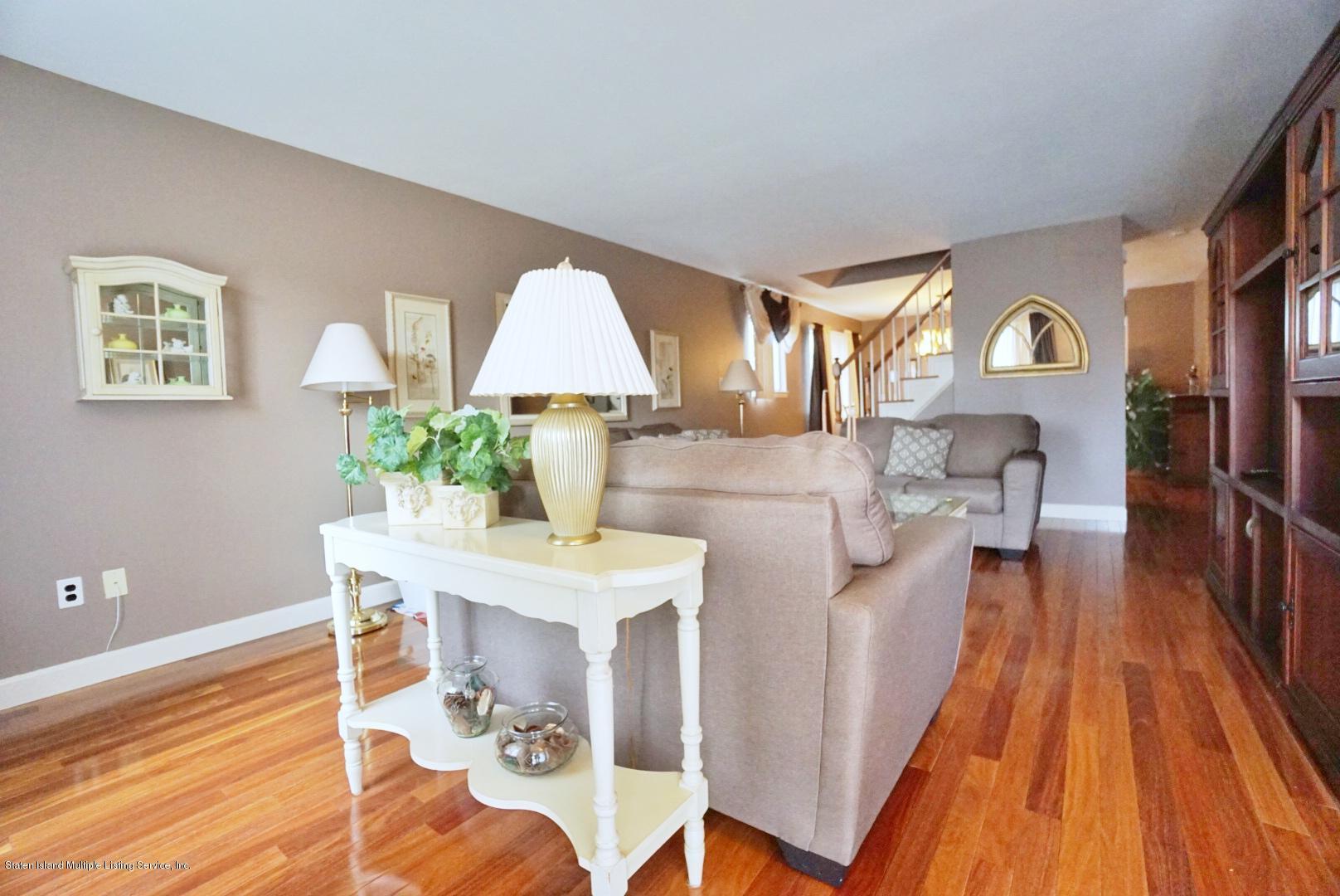 83 Salamander Court,Staten Island,New York,10309,United States,3 Bedrooms Bedrooms,6 Rooms Rooms,2 BathroomsBathrooms,Residential,Salamander,1135725