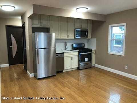 1035 Victory Boulevard,Staten Island,New York,10301,United States,3 Bedrooms Bedrooms,5 Rooms Rooms,3 BathroomsBathrooms,Residential,Victory,1135728