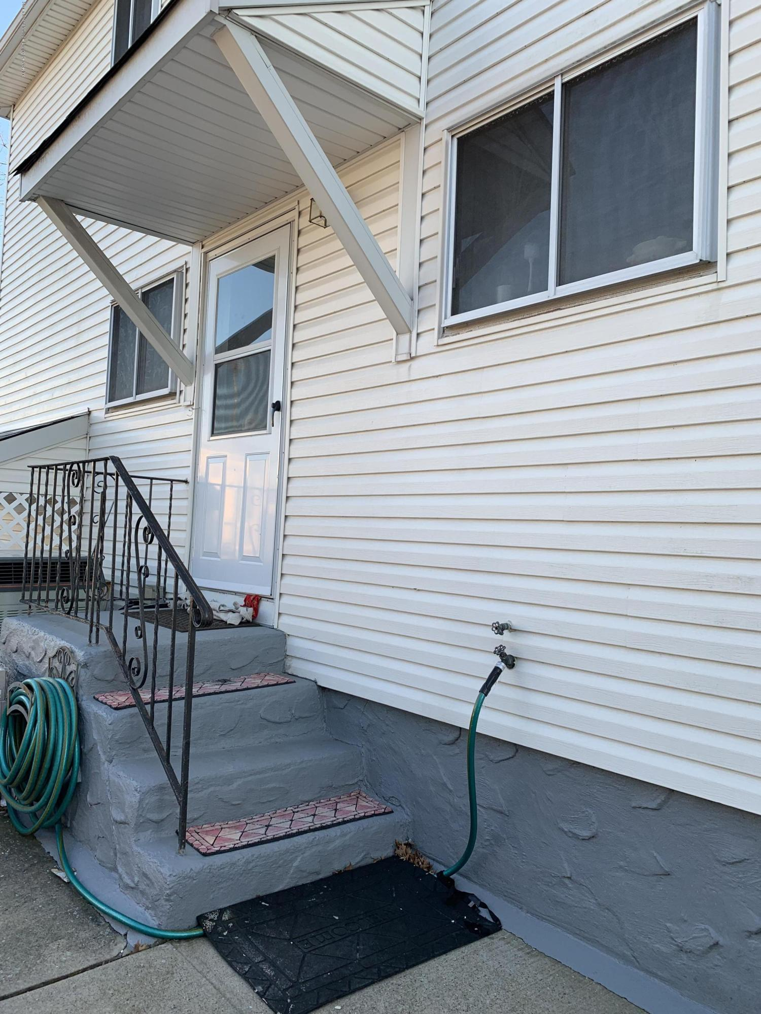 35 Alexander Avenue,Staten Island,New York,10312,United States,1 Bedroom Bedrooms,3 Rooms Rooms,1 BathroomBathrooms,Res-Rental,Alexander,1136550