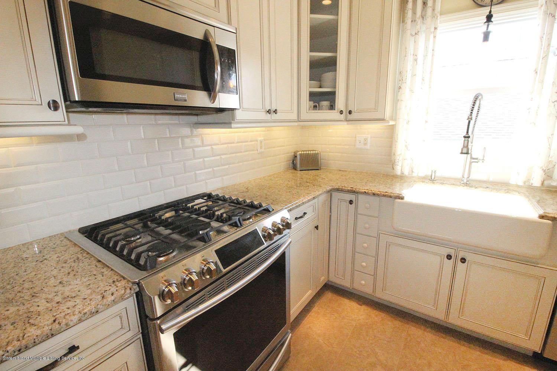 229 Raritan Avenue,Staten Island,New York,10305,United States,3 Bedrooms Bedrooms,6 Rooms Rooms,2 BathroomsBathrooms,Residential,Raritan,1136667